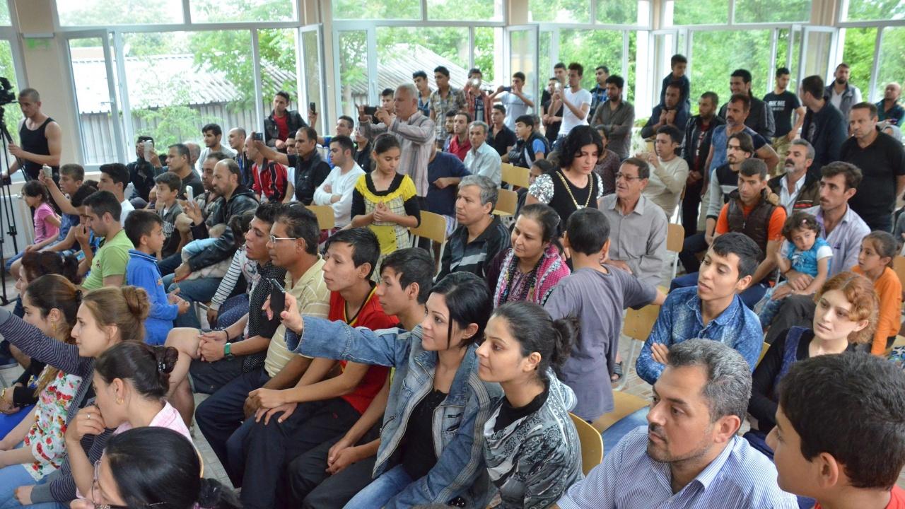 Центърът за бежанци в Бусманци се препълни, връщат обратно мигрантите