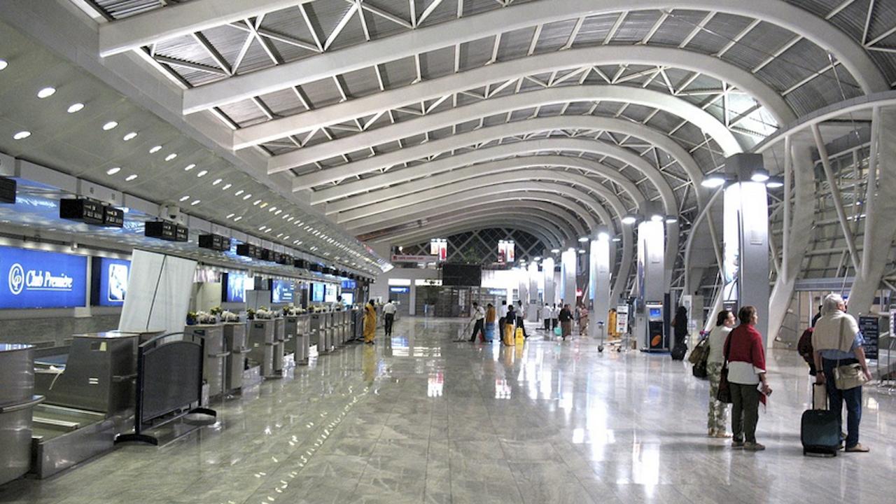 Стотици анулирани полети в Португалия заради стачка на служители на компания за обработване на багажи