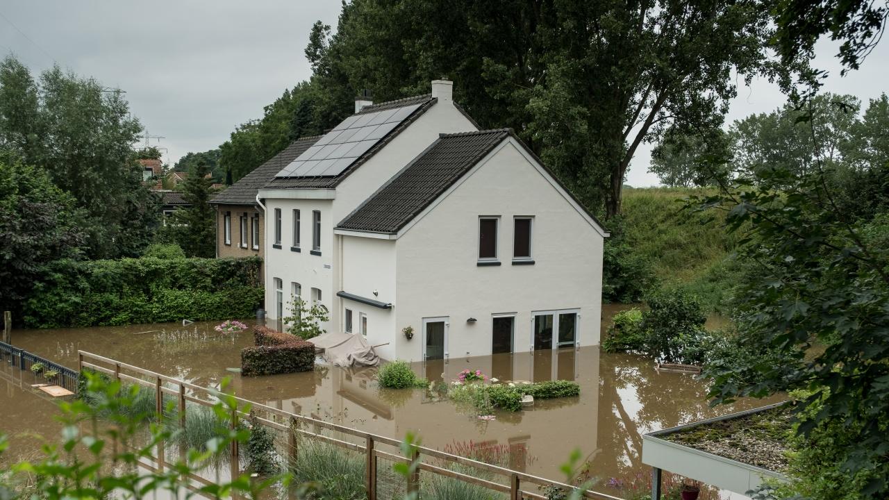 Над 30 потвърдени жертви и над 160 души в неизвестност вследствие на наводненията в Белгия, загиналите в Германия вече са най-малко 159