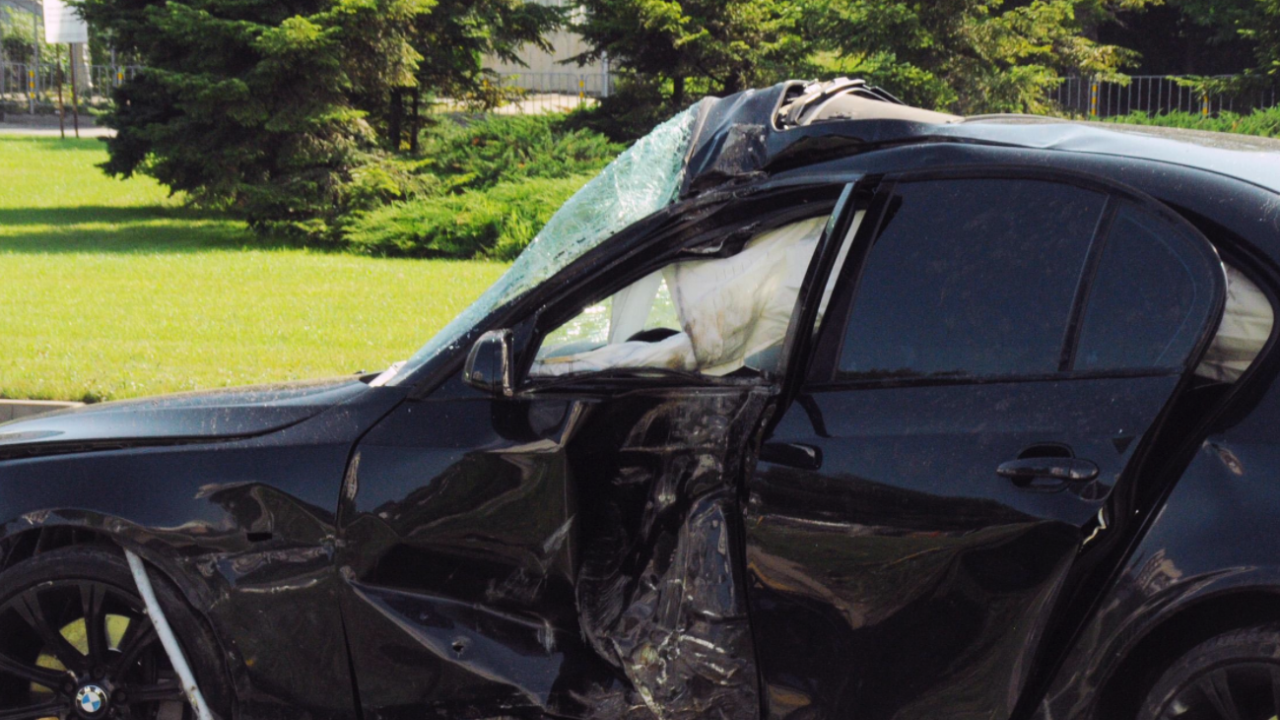 Мъж без книжка подкара кола, дете е с опасност за живота