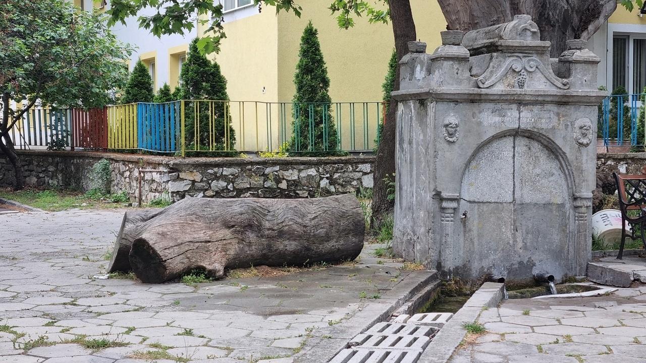 """Проектът за реставрация на """"Чешмата на Каварджията"""" в Асеновград напредва"""