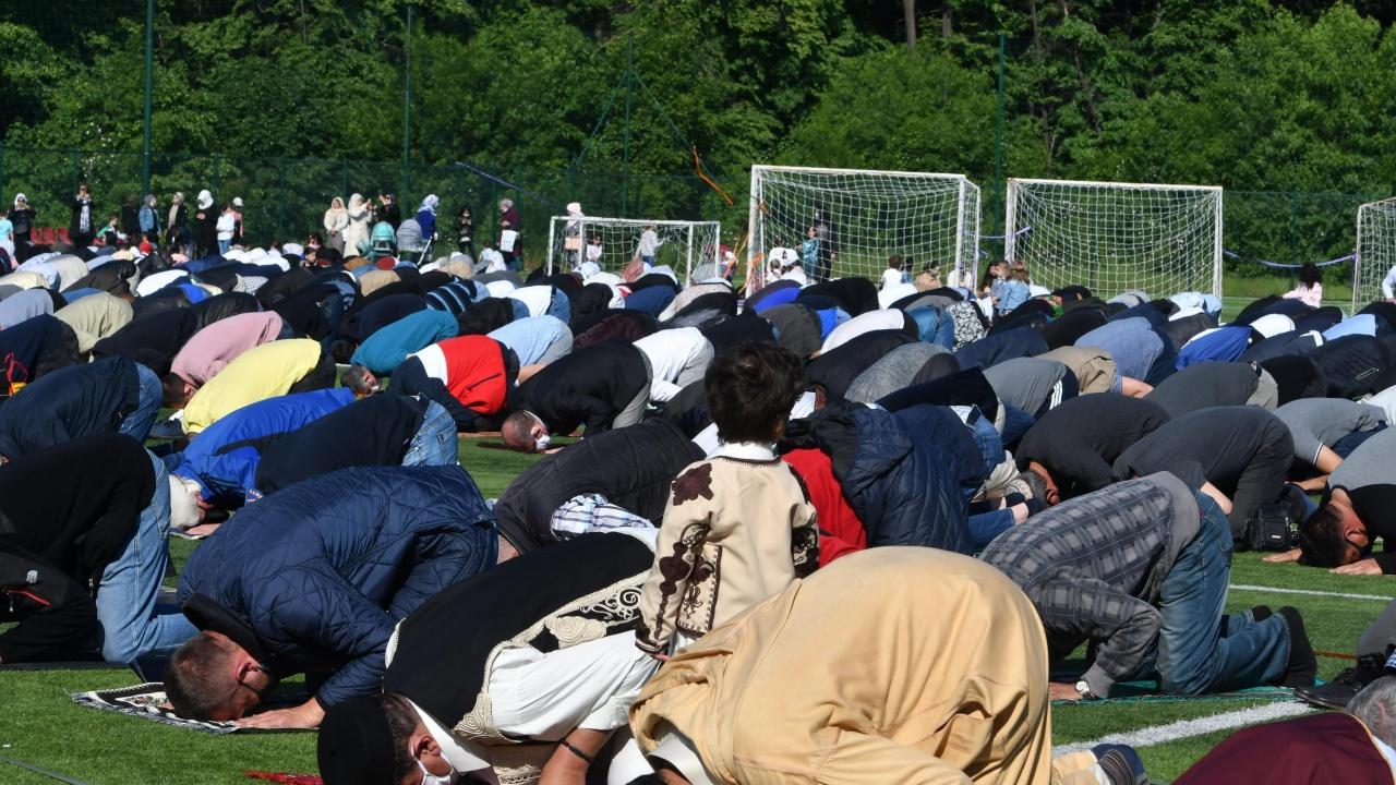 По случай празника Курбан байрам мюфтията на Разград пожелава хората да бъдат по-състрадателни и милостиви