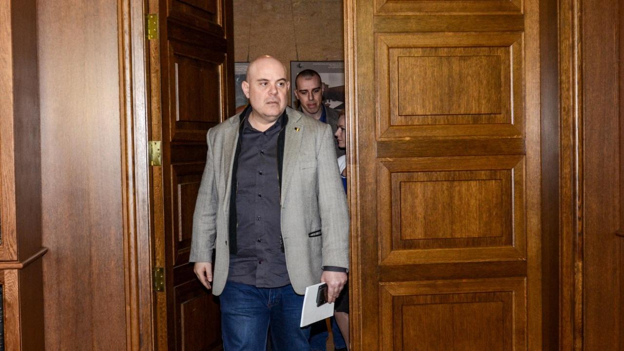 Юрист: ВСС набързо ще отхвърли искането за освобождаването на Гешев