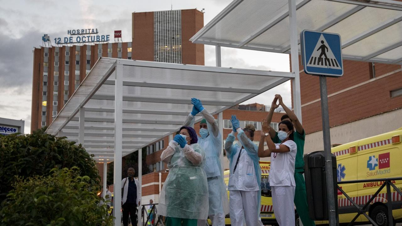 Тревожна ситуация в болниците в Испания, лекари призовават за ново затваряне