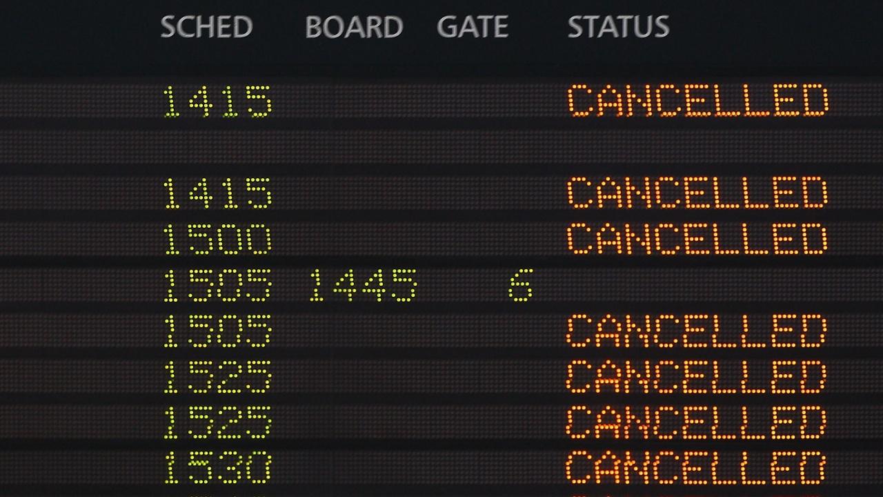 Над 300 полета бяха отменени в Китай след 9 случая на COVID-19 в Нанцзин