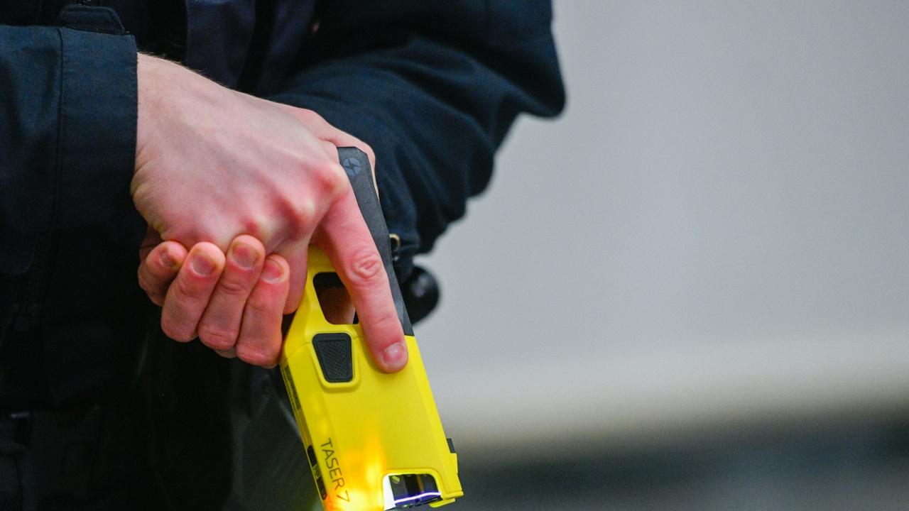 Нападение по врачански: Електрошок и пистолет