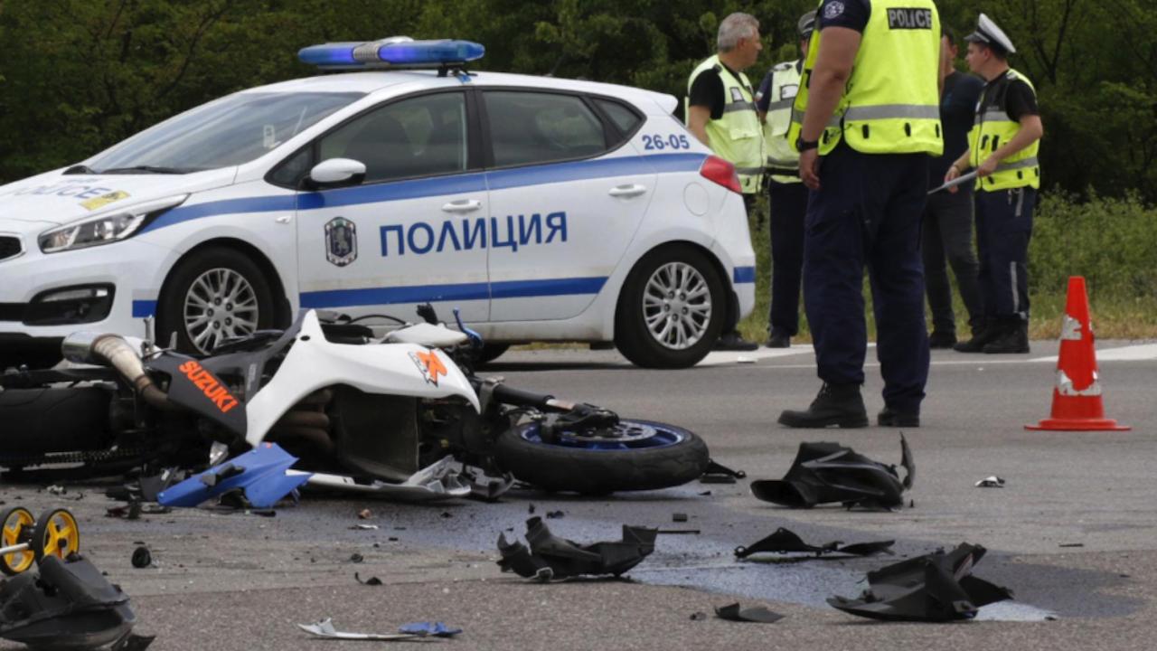 Мотористка е в болница след меле на пътя Пловдив – Хасково