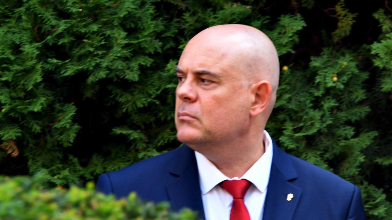 Асоциацията на прокурорите за искането за отстраняване на Гешев: Политически акт, целящ дестабилизация на съдебната власт в България