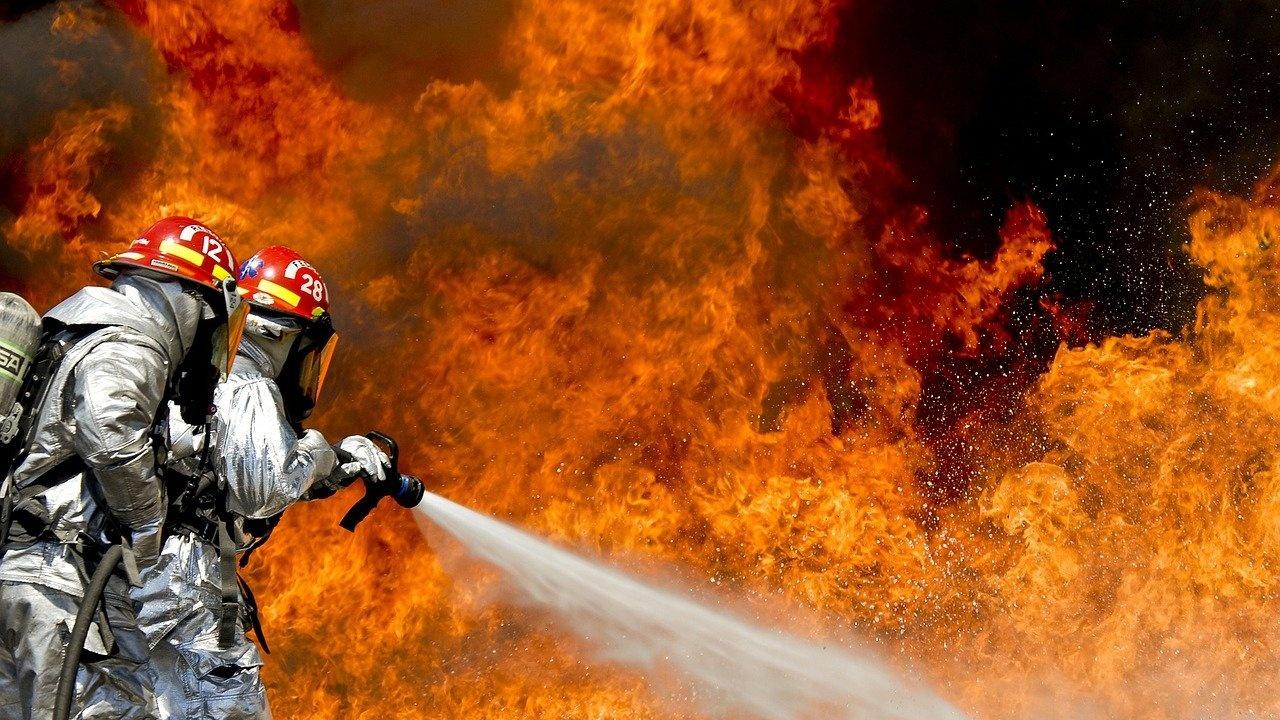 Голям пожар гори в района на Свиленград