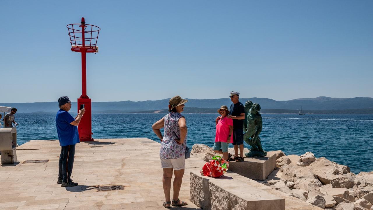 На хърватското адриатическо крайбрежие влязат в сила нови рестрикции заради COVID-19