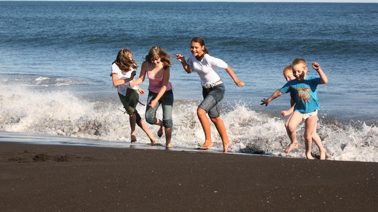 МС одобри още над 2,4 млн. лв. за безплатна почивка на ученици