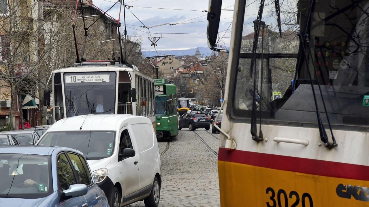 Катастрофа между коли спря движението на трамваи в столицата