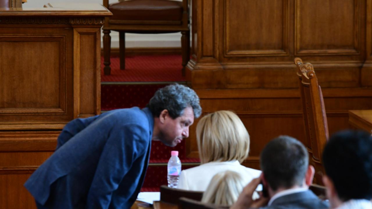 С изключение на ГЕРБ, от ИТН поставят началото на разговори за кабинет с останалите политически сили