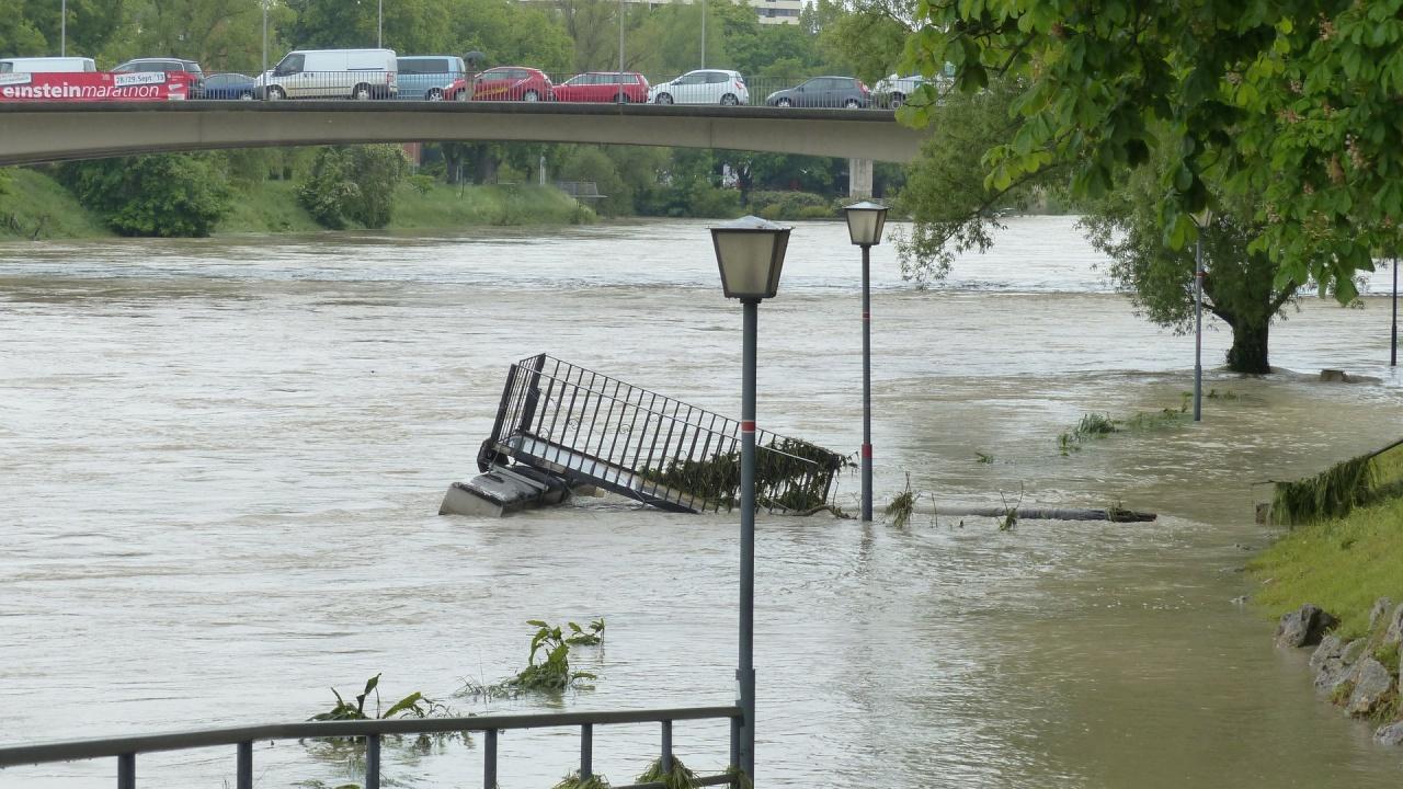 200 евакуирани след наводнения в Турция