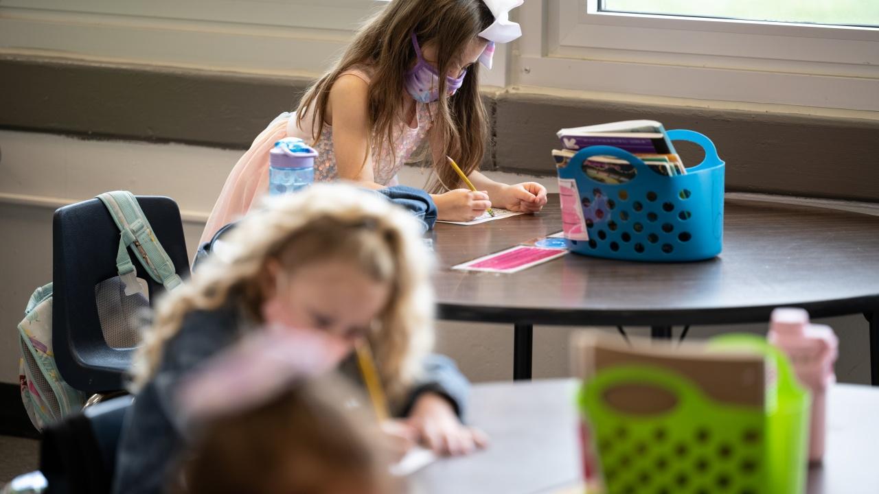 Учениците и преподавателите в държавните училища в Чикаго ще носят маски на закрито