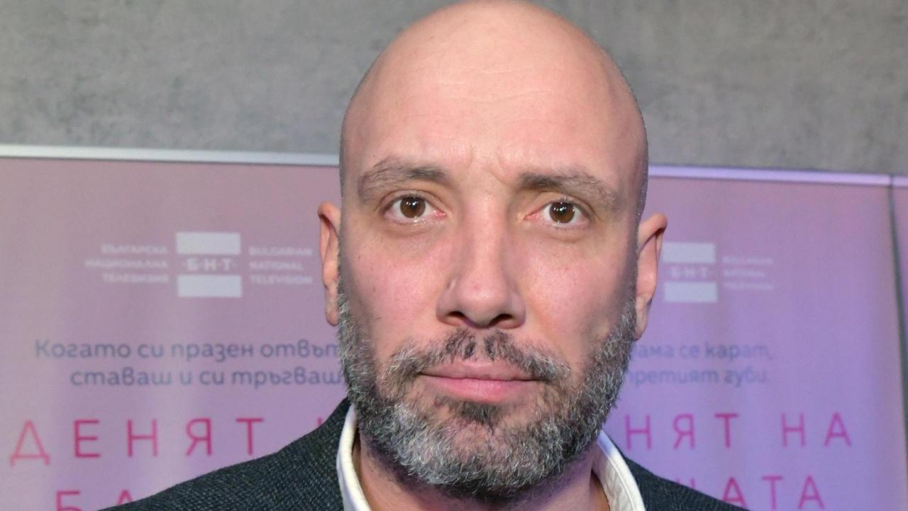 Захари Бахаров не прилича на себе си, наддал е поне 30 килограма