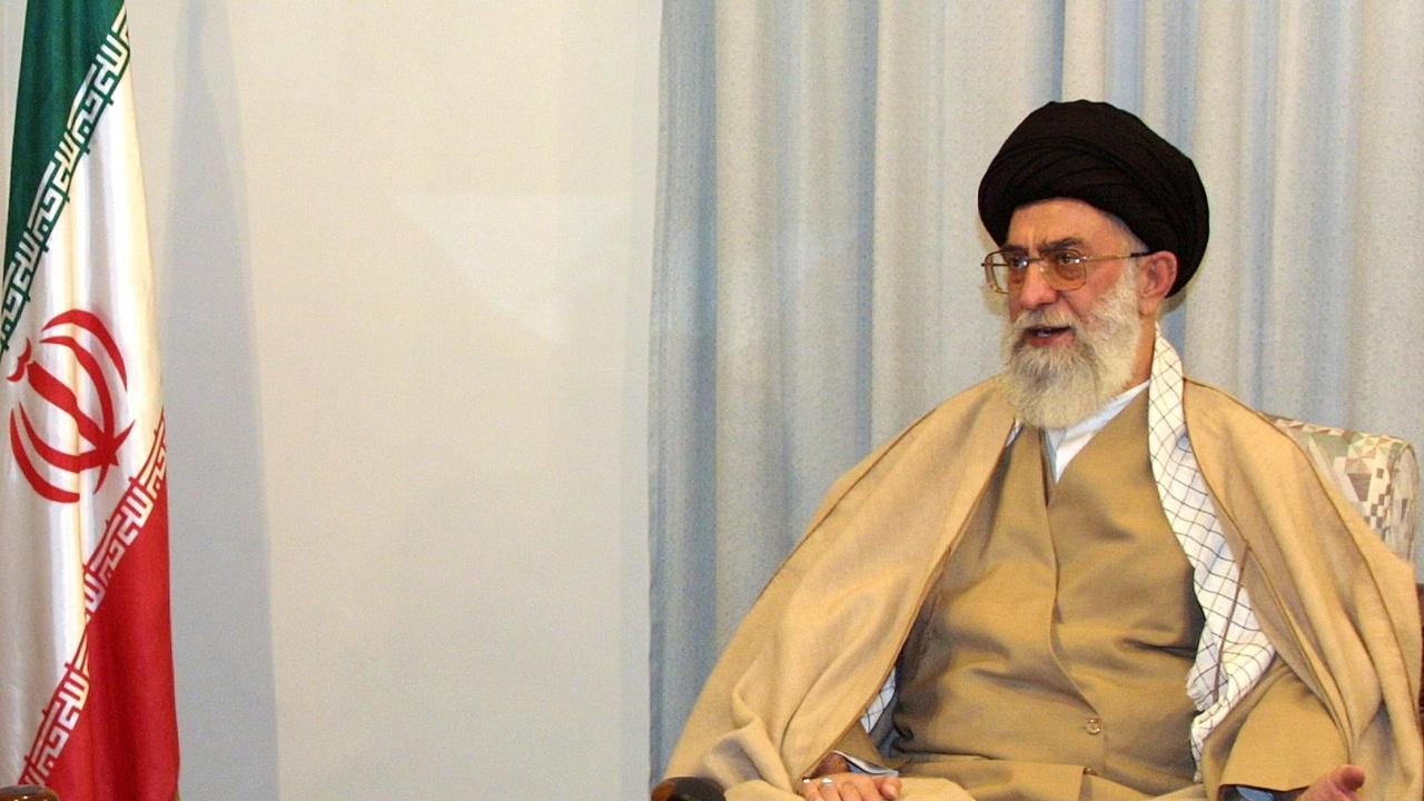 Аятолах Хаменей: Хората, които протестират заради водната криза в Иран, не може да бъдат обвинявани