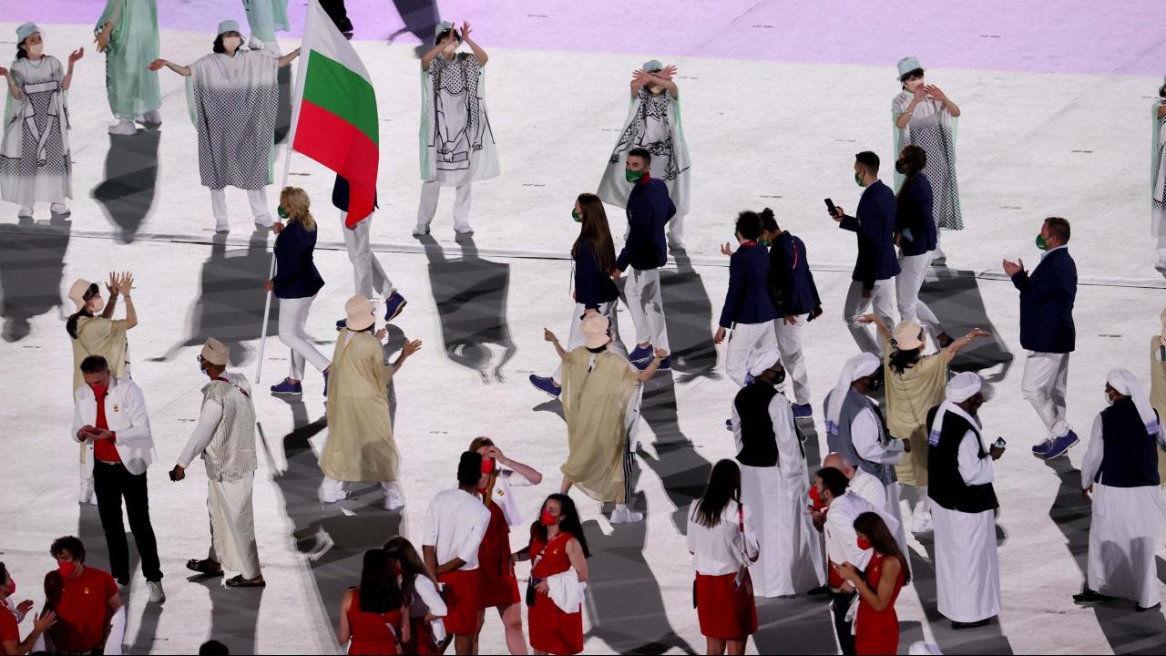 Министър Кузманов приветства българските олимпийци на откриването на Летните олимпийски игри в Токио