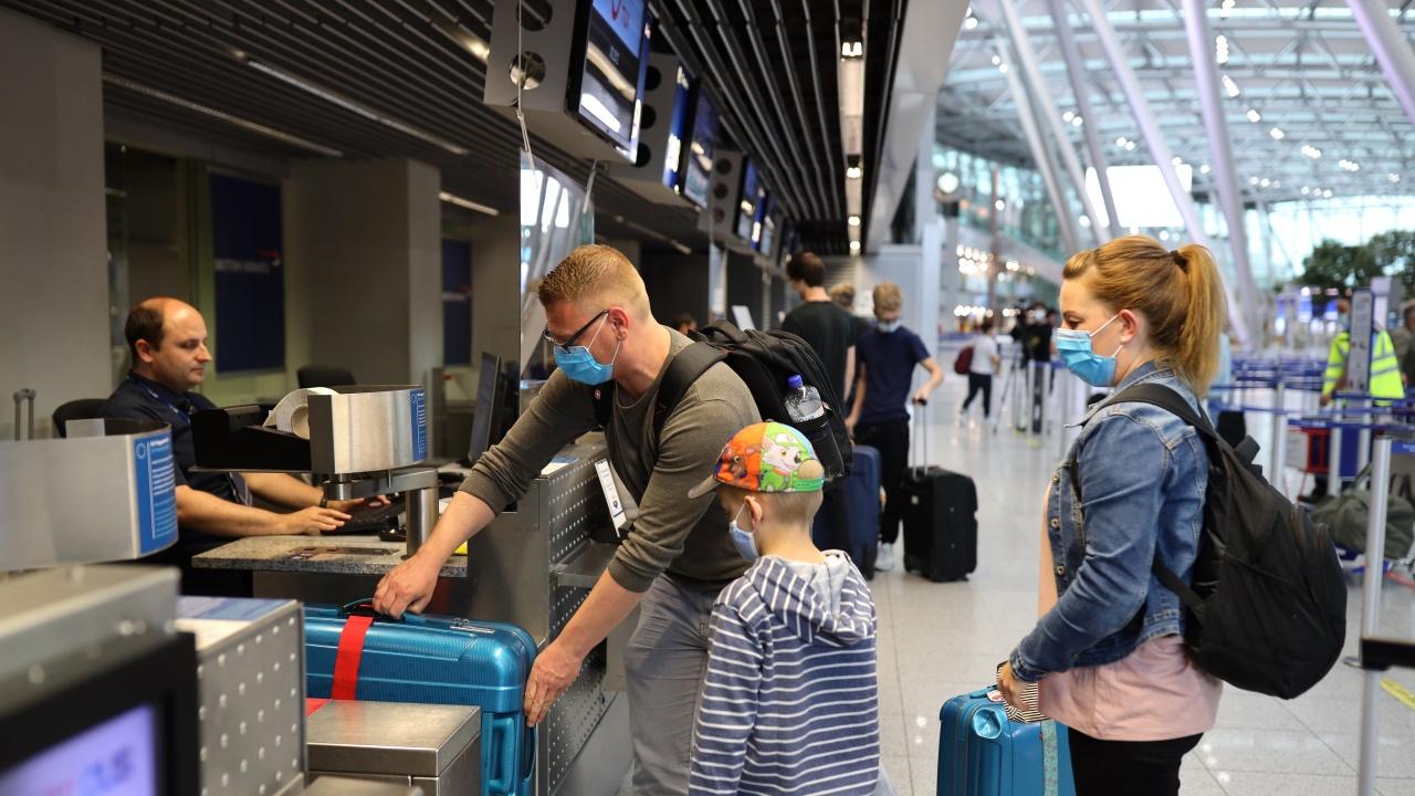 Германия въвежда по-строги правила за пристигащите от Испания и Нидерландия