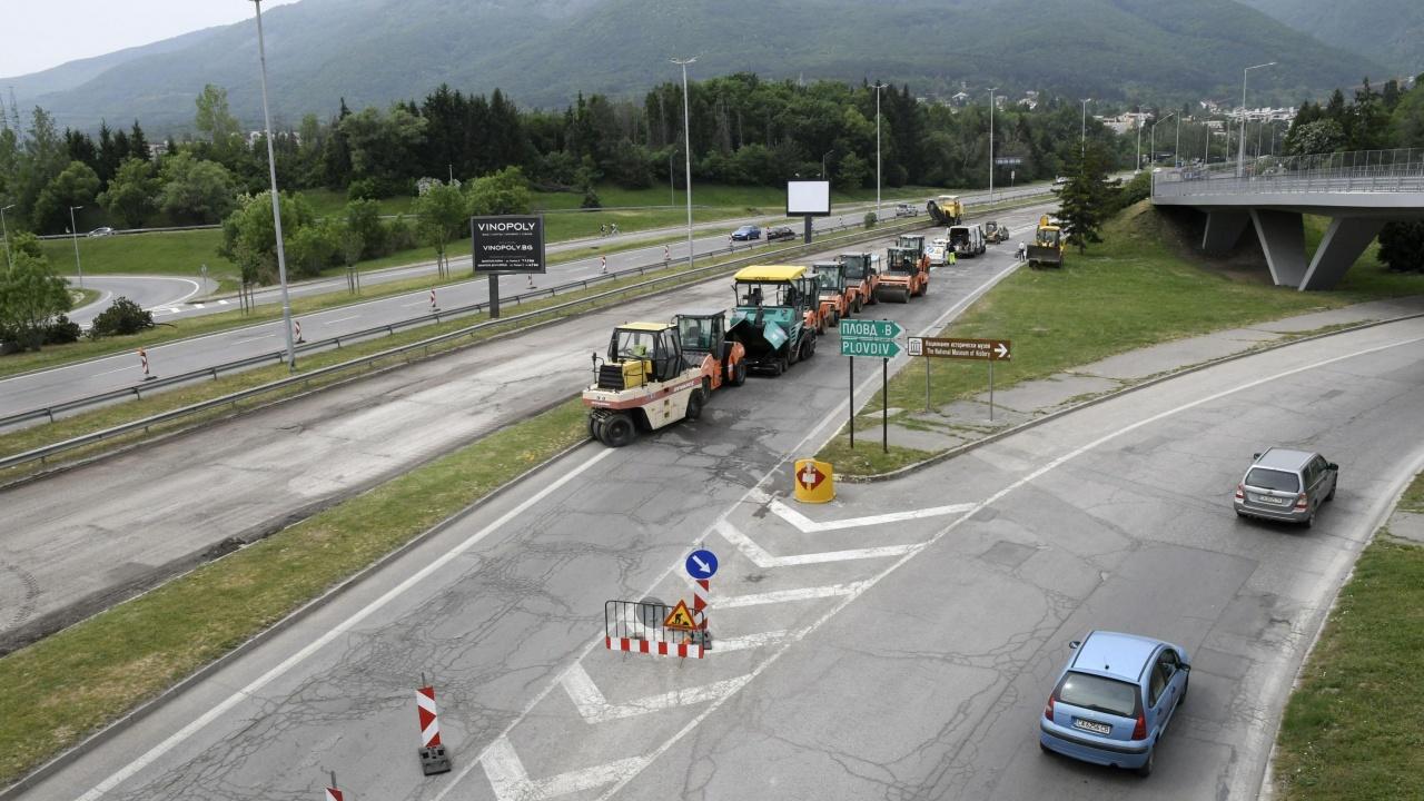 Възстановено е движението по пътя Враца-Ботевград в участъка Мездра-Лютидол
