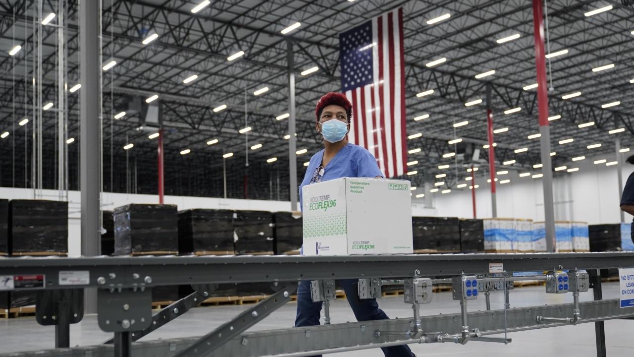 От САЩ се похвалиха, че само тази седмица са дарили над 20 млн. ваксини