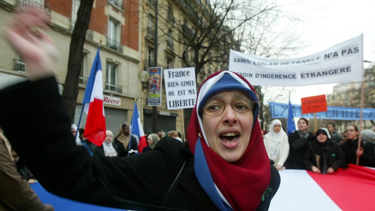 Френският парламент одобри спорен закон срещу радикалния ислям