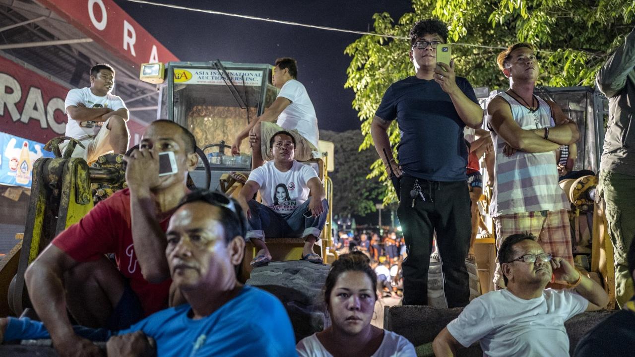 Земетресение с магнитуд 6,7 разлюя околностите на филипинската столица