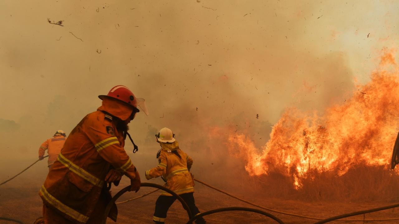 Горски пожар доведе до прекъсването на тока в три държави