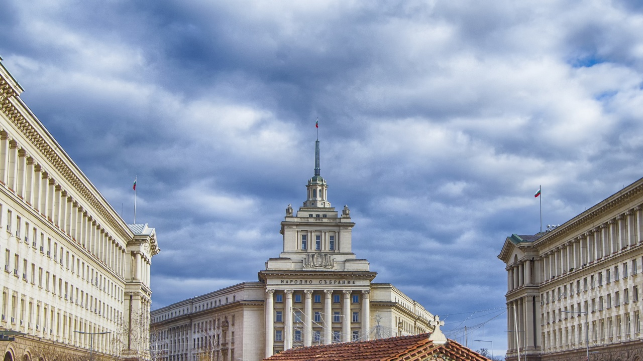 Националният съвет за тристранно сътрудничество с извънредно заседание