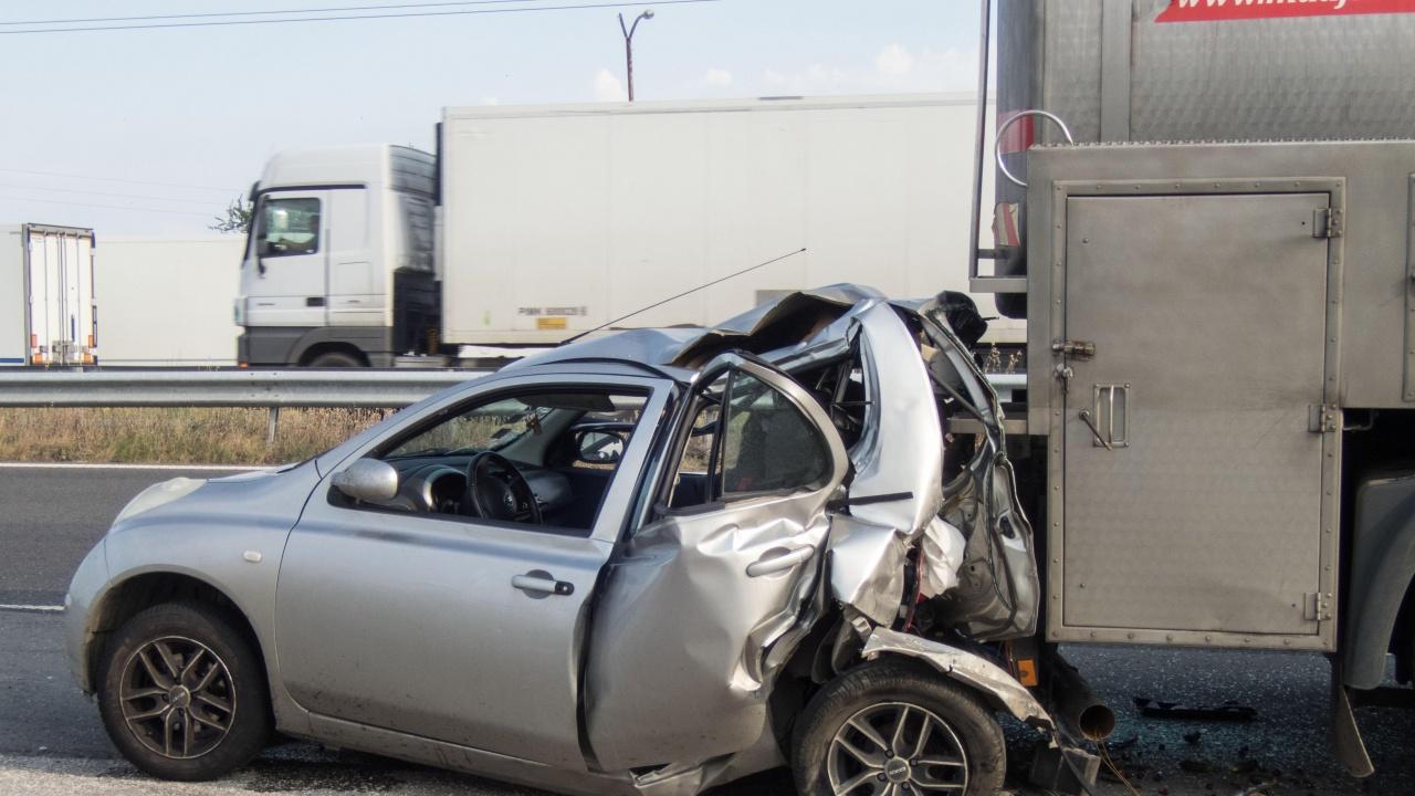 Тежка катастрофа край Симитли, има ранени