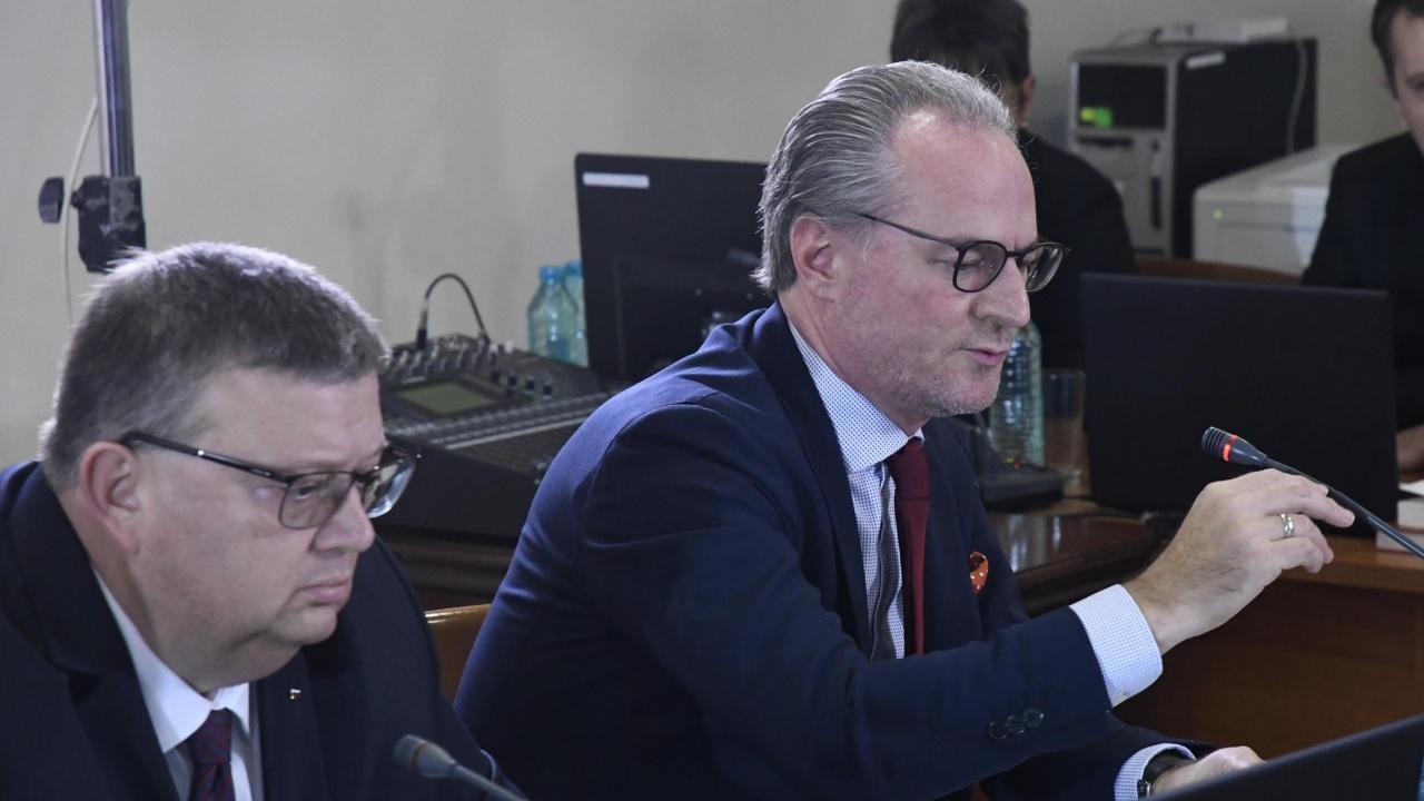 Лозан Панов ще има достъп до документите за извършваните спрямо него проверки