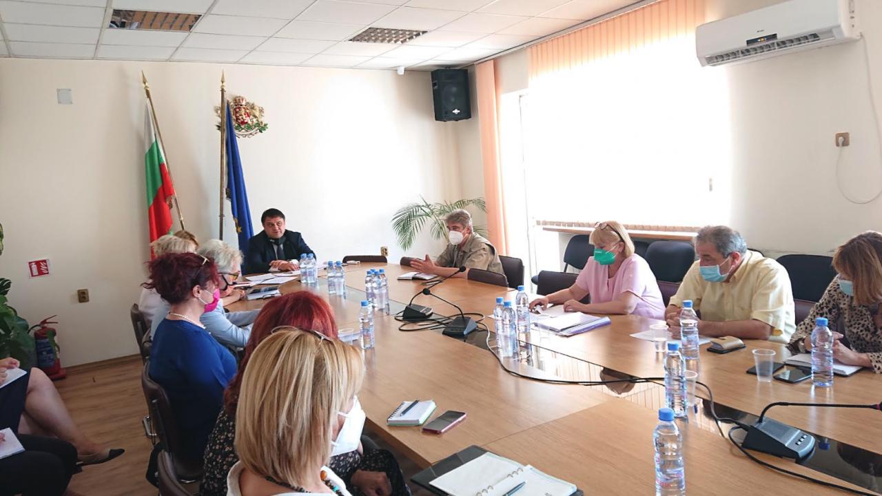 Областният управител на Софийска област свика областния кризисен щаб за борба с COVID-19