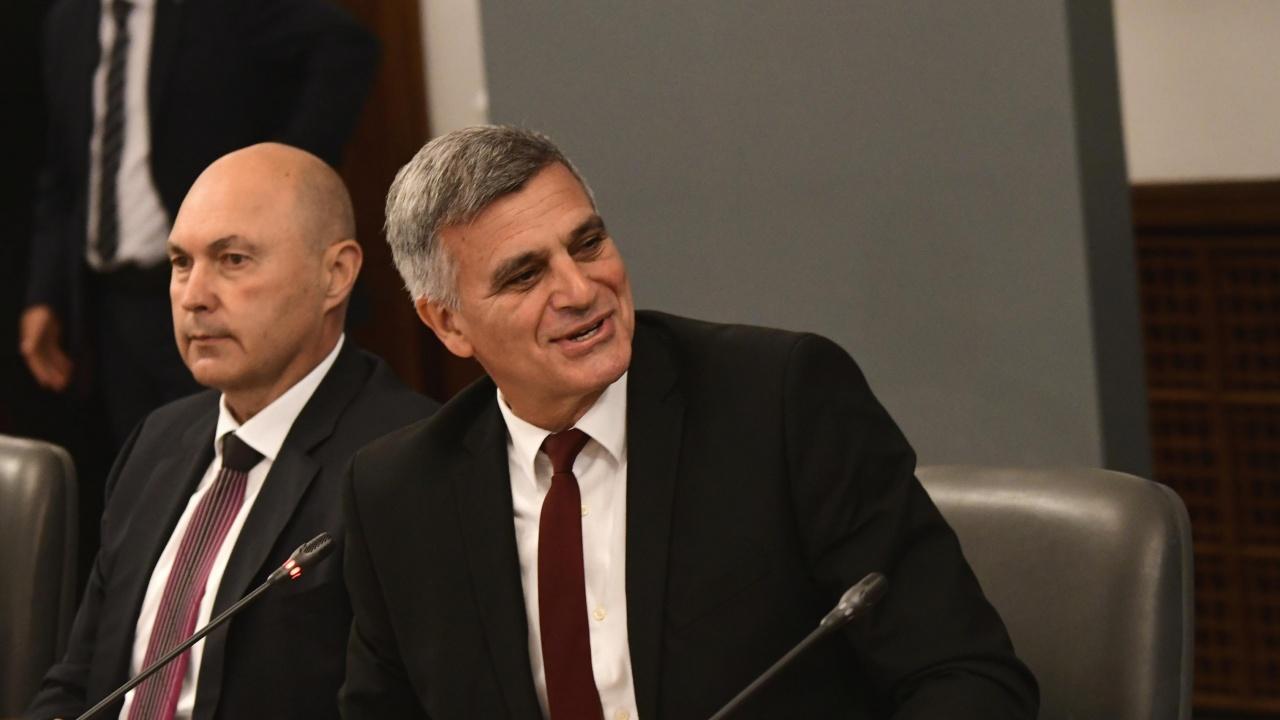 Може ли Стефан Янев да остане премиер и в бъдещото правителство?