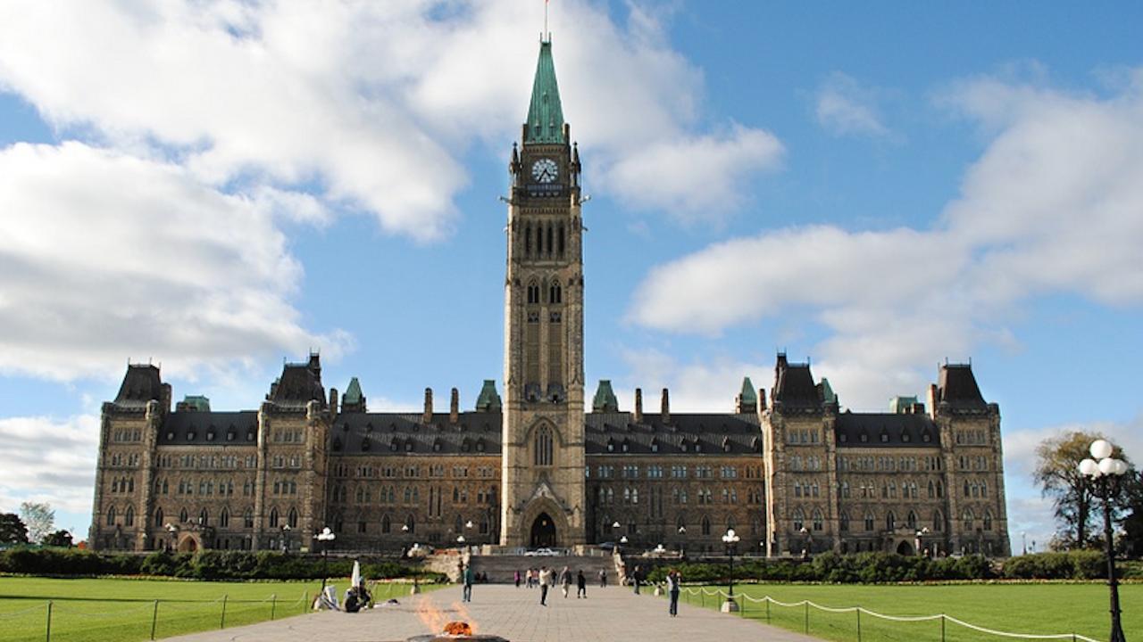 Първата представителка на коренното население на Канада встъпи в длъжност като генерал-губернатор