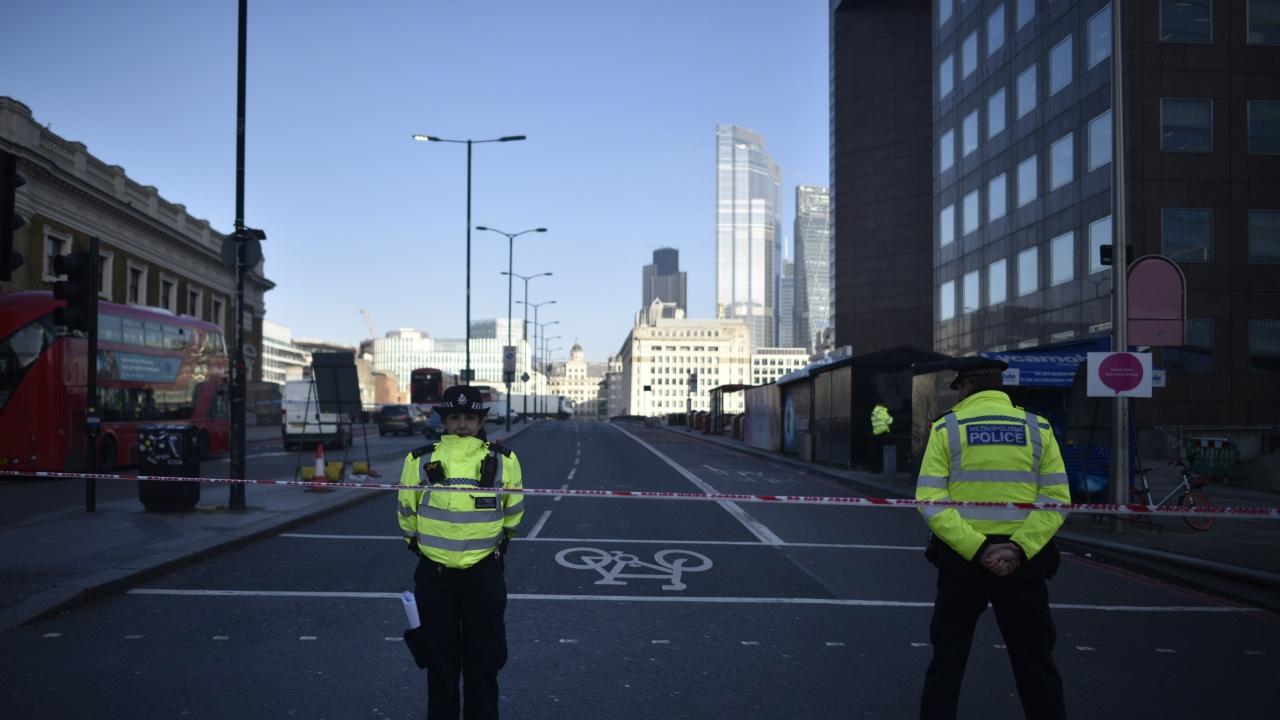 Намушкаха жена в центъра на Лондон посред бял ден, издирват нападателя