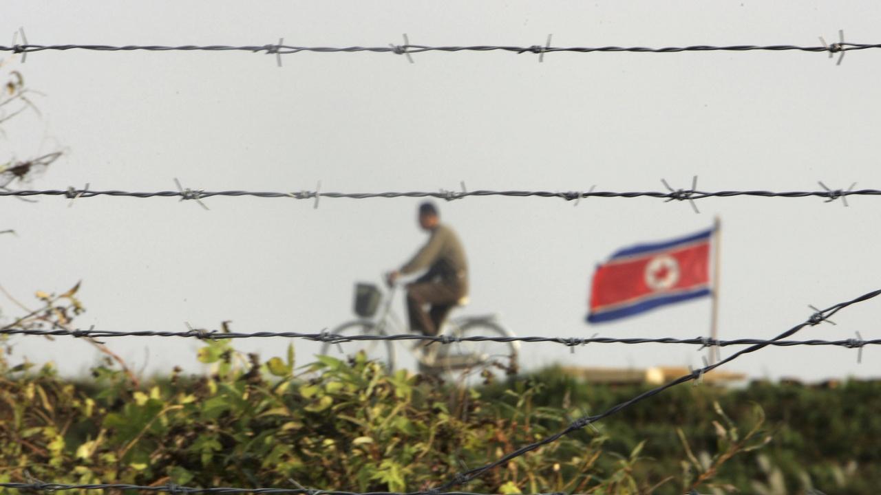 Двете Кореи възстановиха комуникационните си канали