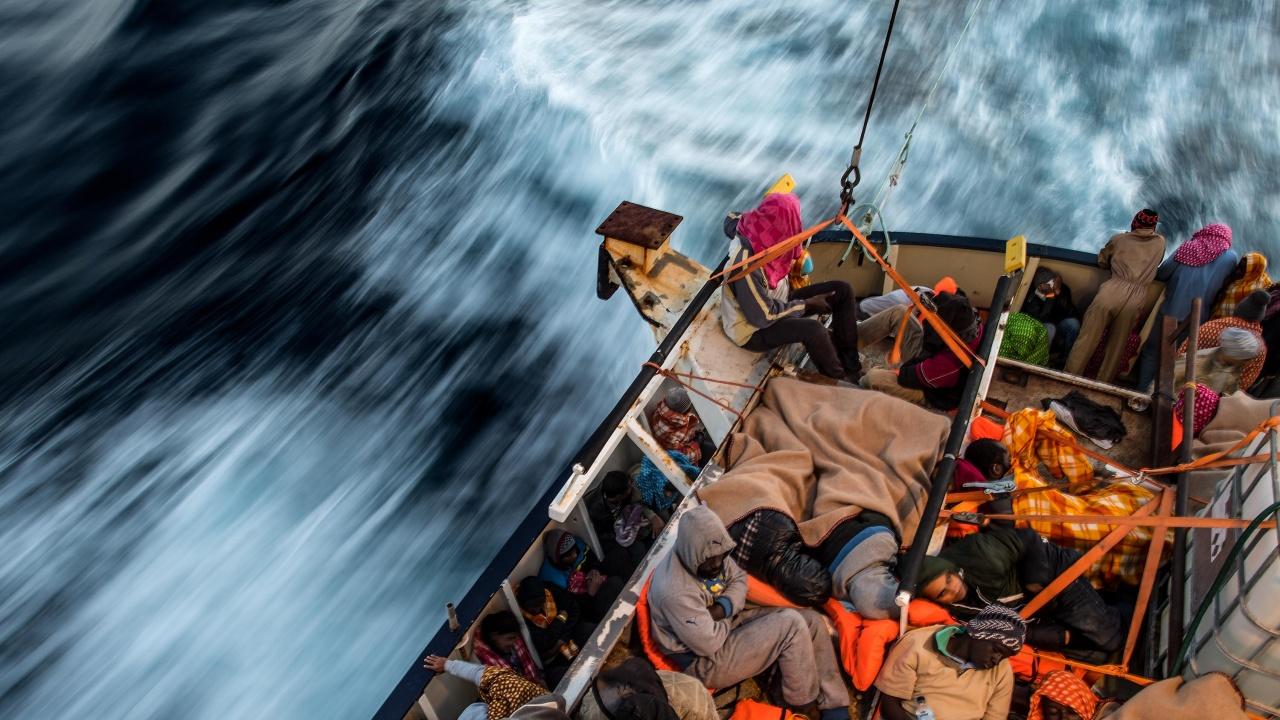 Край либийските брегове се удавиха 57 нелегални мигранти