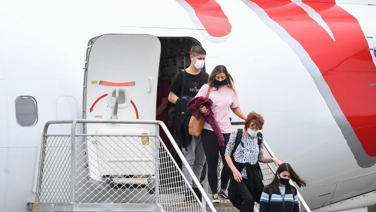 Нови правила за българи и чужденци, пристигащи у нас от държава, попадаща в червената зона