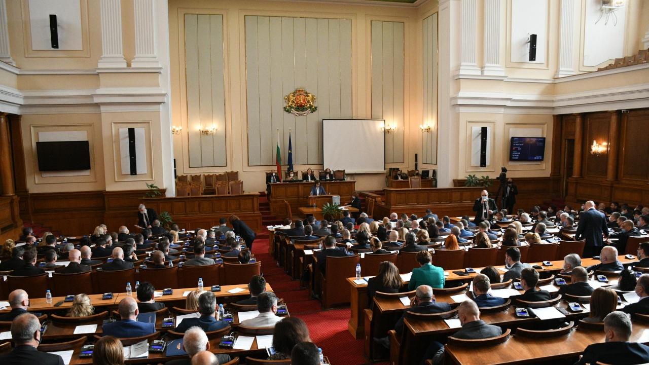 Депутатите изслушват премиера и куп министри тази седмица