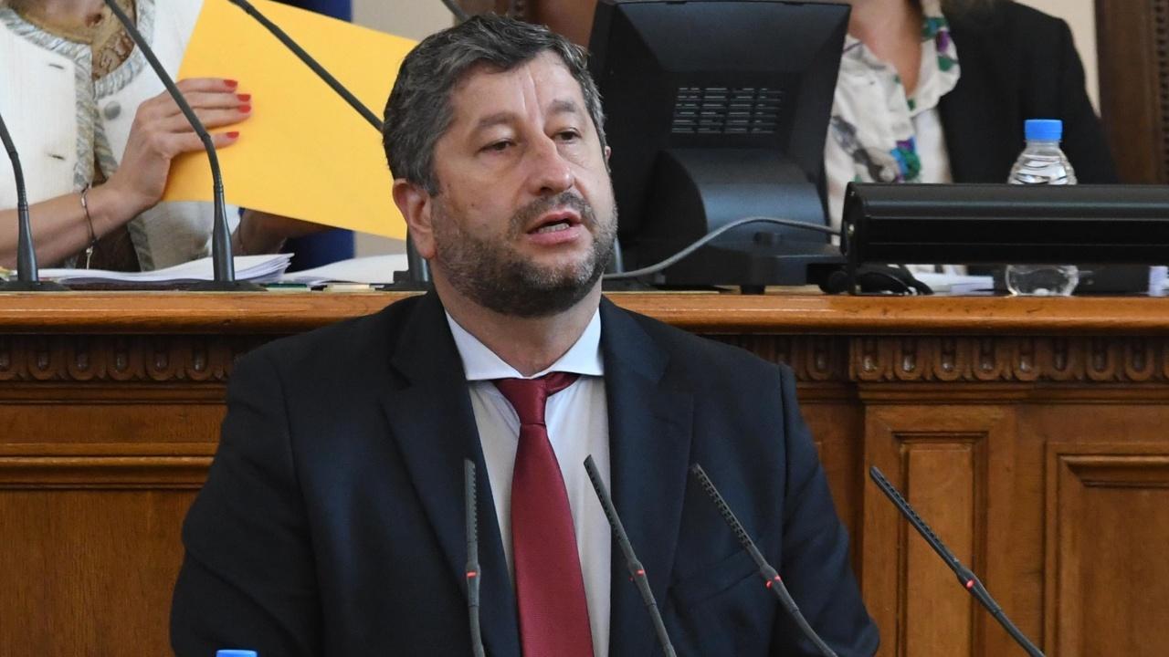 ДБ иска кабинетът да бъде изграден от качествени личности - застават зад Кирил Петков, Асен Василев и проф. Денков