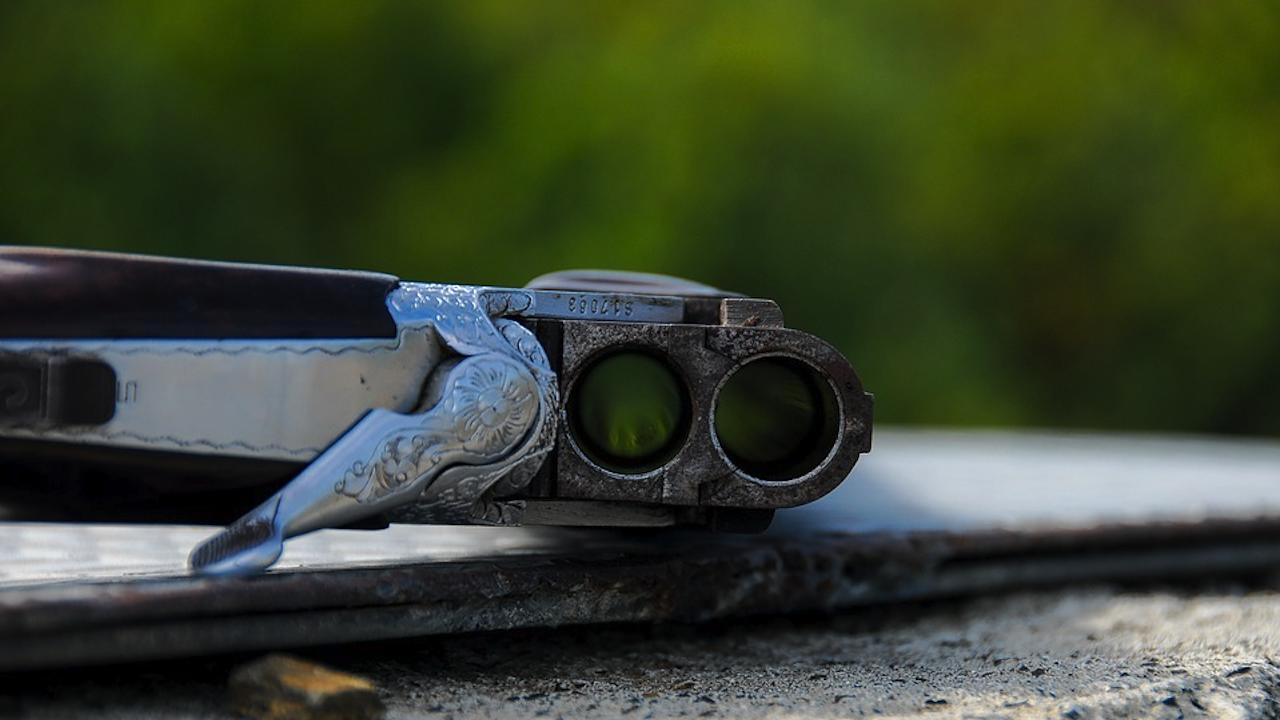 Мъж се простреля с ловно оръжие в Благоевградско