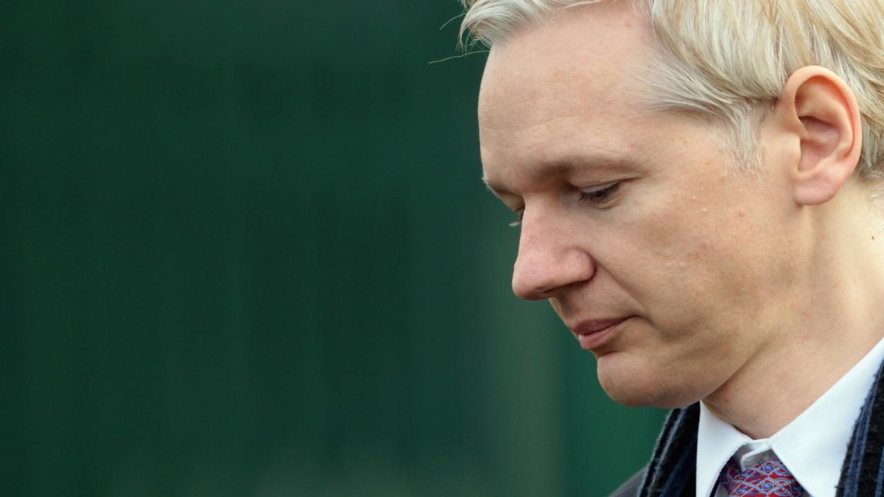 Основателят на Уикилийкс загуби еквадорското си гражданство
