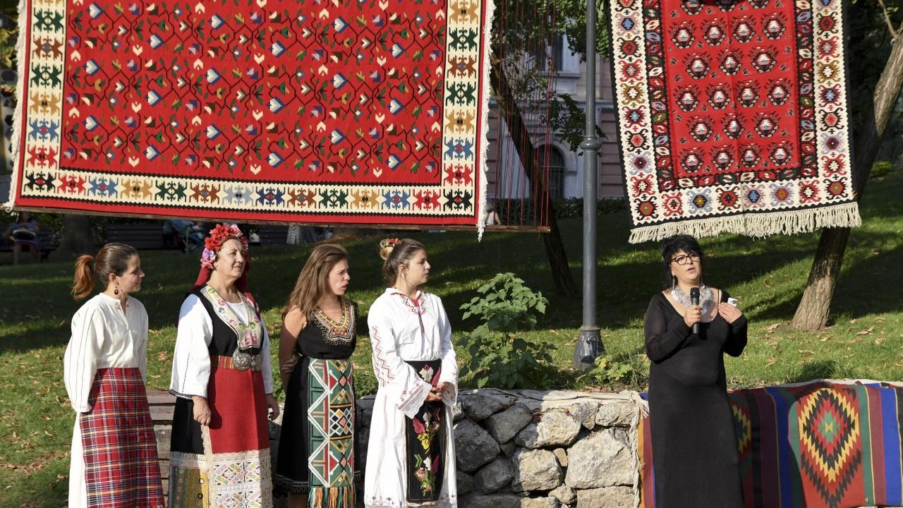 Община Котел приканва гражданите да не използват личните си автомобили по време на Фестивала на етносите