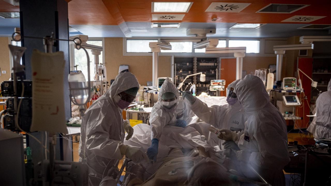 Проф. Витанов: До 2000 заразени на ден в началото на септември