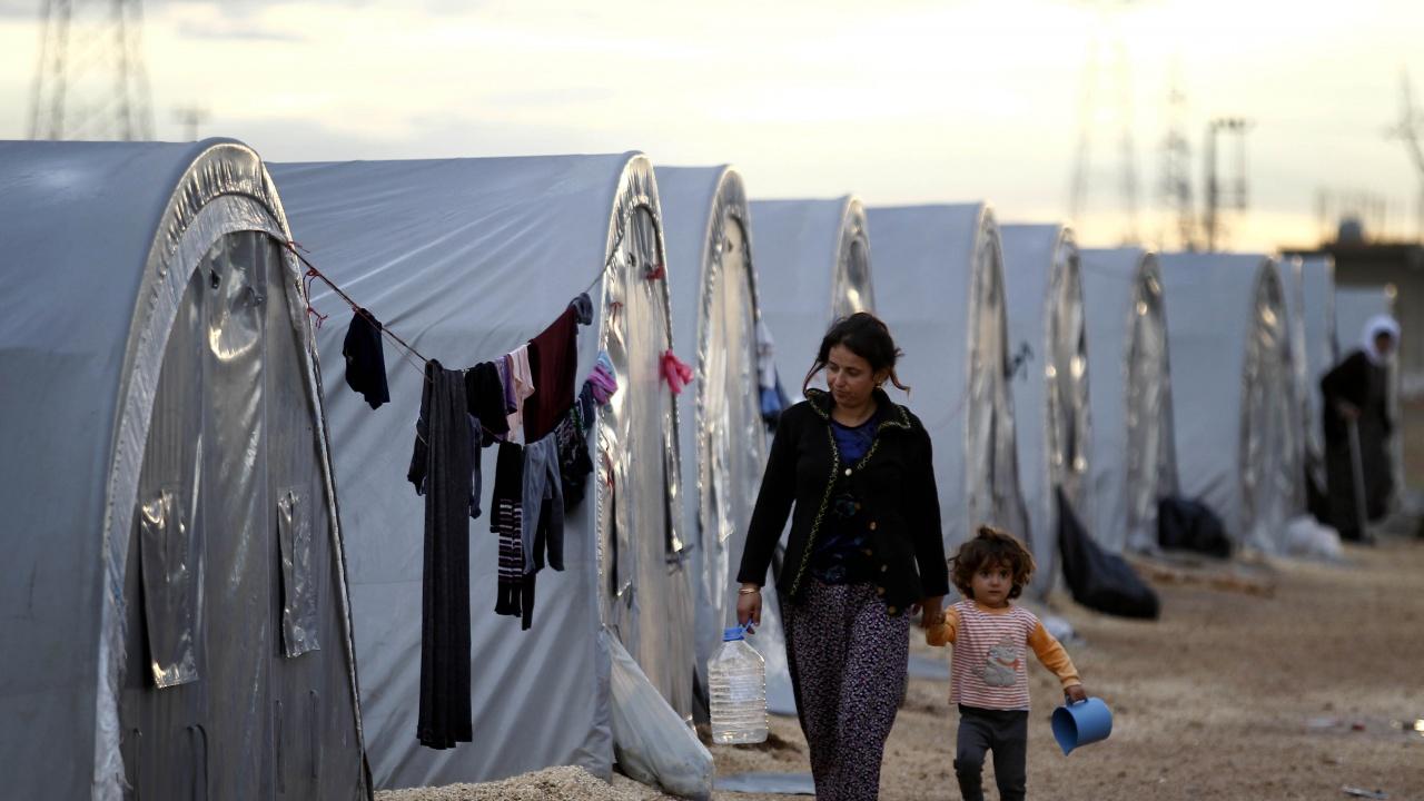 Правителството отпуска над 1 млн. лева за бежанците в Турция