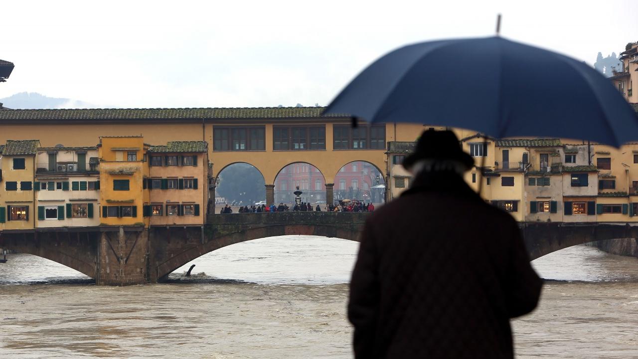 Силни бури евакуираха десетки около езерото Комо в Италия