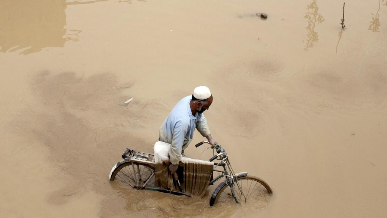 Наводнения в Източен Афганистан взеха най-малко 40 жертви