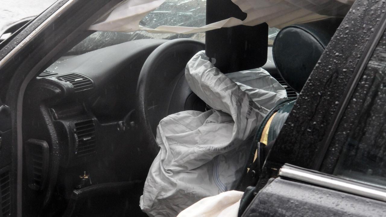 Шофьор отнесе ограда на заведение в Пловдив