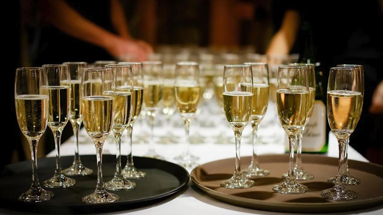 Шампанското в Слънчев бряг близо два пъти по-скъпо от нощувката