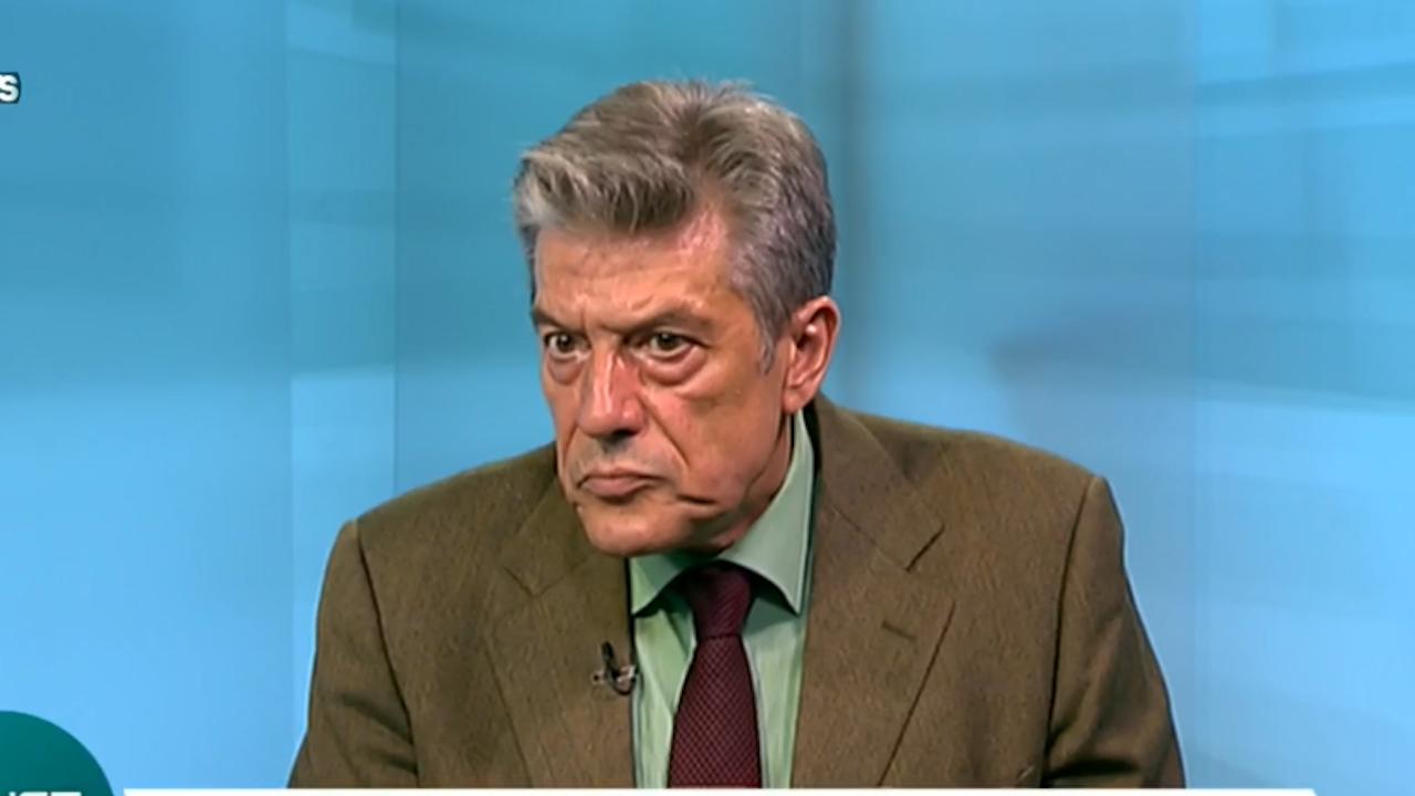 Политолог: Кризата е зад ъгъла, политическите игри ще ни костват много сериозни щети